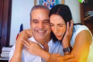 Abinader y su esposa