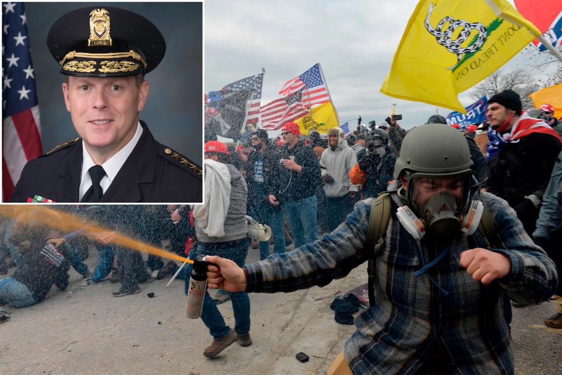El jefe de policía del Capitolio Steven Sund (recuadro) renuncia un día después de que la policía se enfrentara a partidarios de Trump